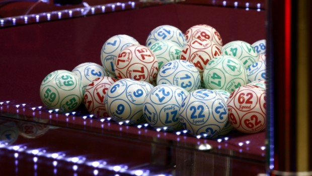 Fejlramt Keno-maskine spyttede jackpots ud til bargæster