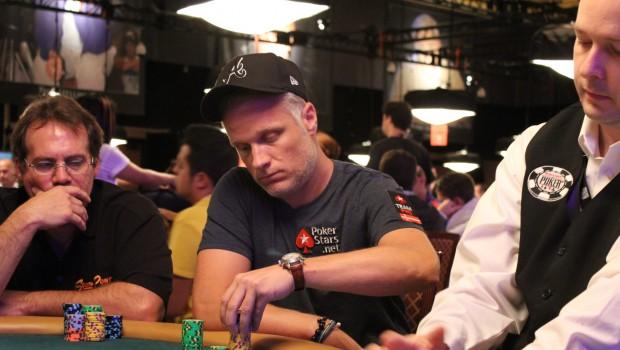 Theo Jørgensen vinder 352.000 på én hånd