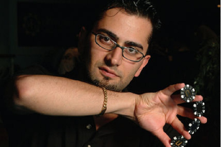 antonio_Esfandiari_pokerchips