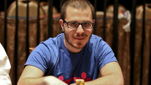Dan Smith og LuckyChewy joiner IveyPoker