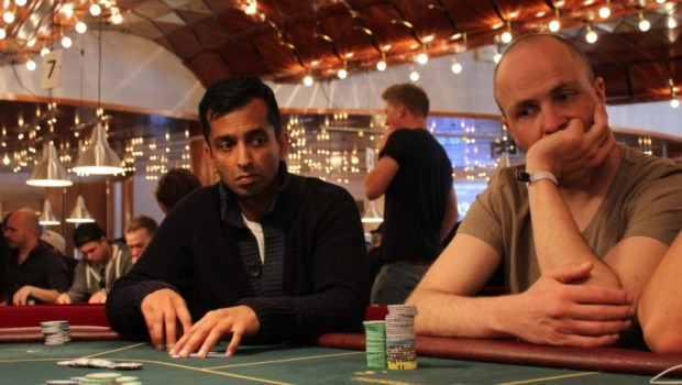 Mudassar Khan sniger sig videre ved WPT National London