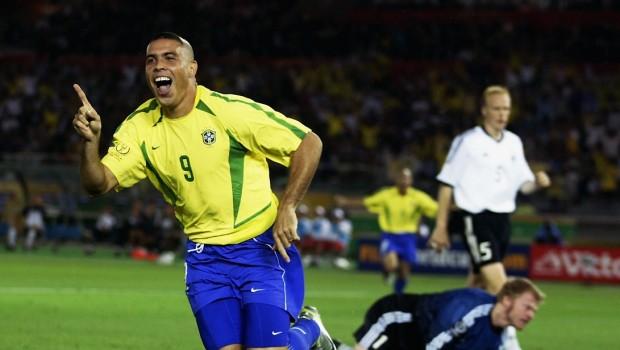 Ronaldo sparker gang i brasiliansk poker